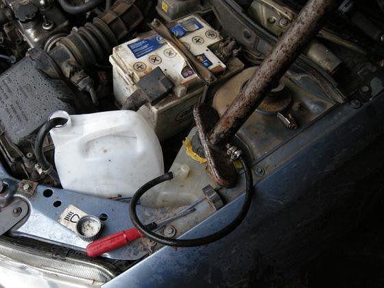 Фото №25 - почему вытекает тосол из расширительного бачка ВАЗ 2110